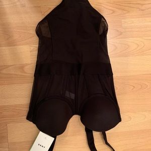 DKNY teddy thong with detachable straps NWT